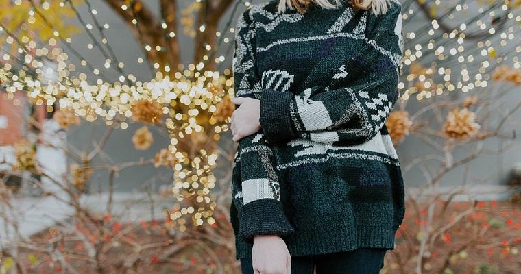 Swetry ciepłe damskie