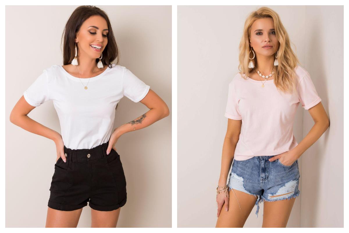 Stylizacja basic z t-shirtem w kolorze jasnoróżowym