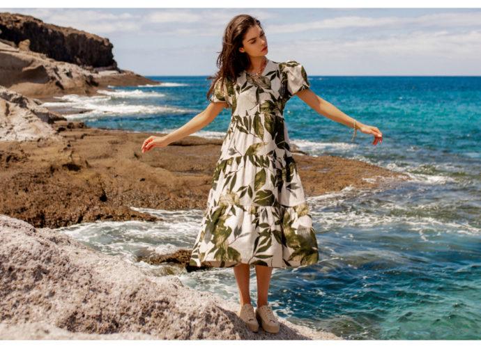 Długa sukienka na lato w zielone kwiaty