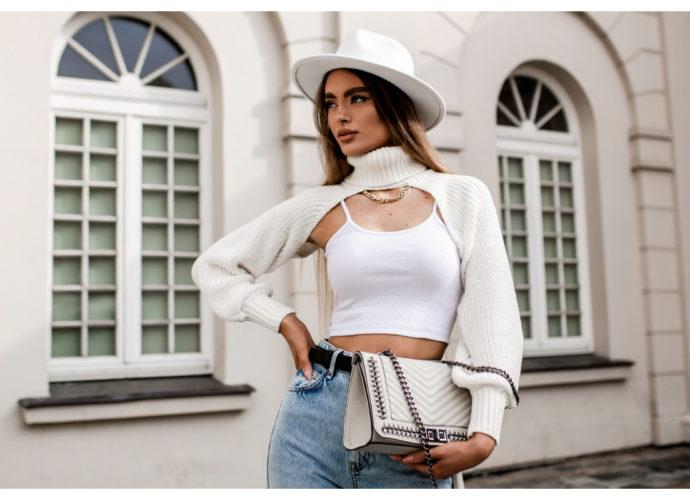 Sweter damski z grubym splotem w kolorze białym
